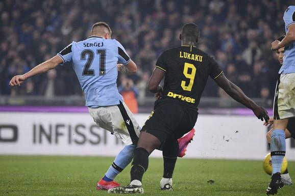 Sergej Milinković Savić daje gol Interu