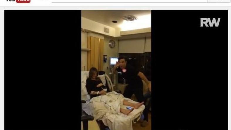 Robbie Williams wspiera żonę na porodówce