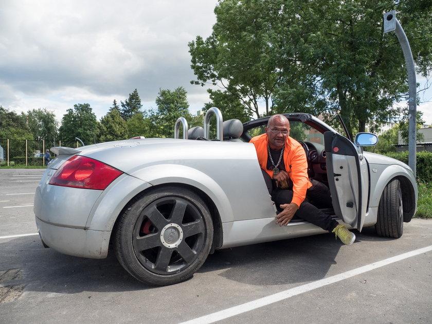 spalone samochody i Tomasz Kaczmarek