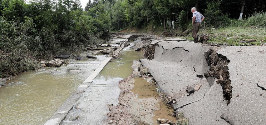 Fale upałów, huraganowe wiatry, nawalne deszcze, niszczycielskie burze. Czy takich zjawisk będzie więcej? Rozmawiamy z klimatologiem