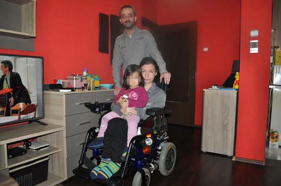 Dragana D. sa suprugom Nenadom i trogodišnjom ćerkicom