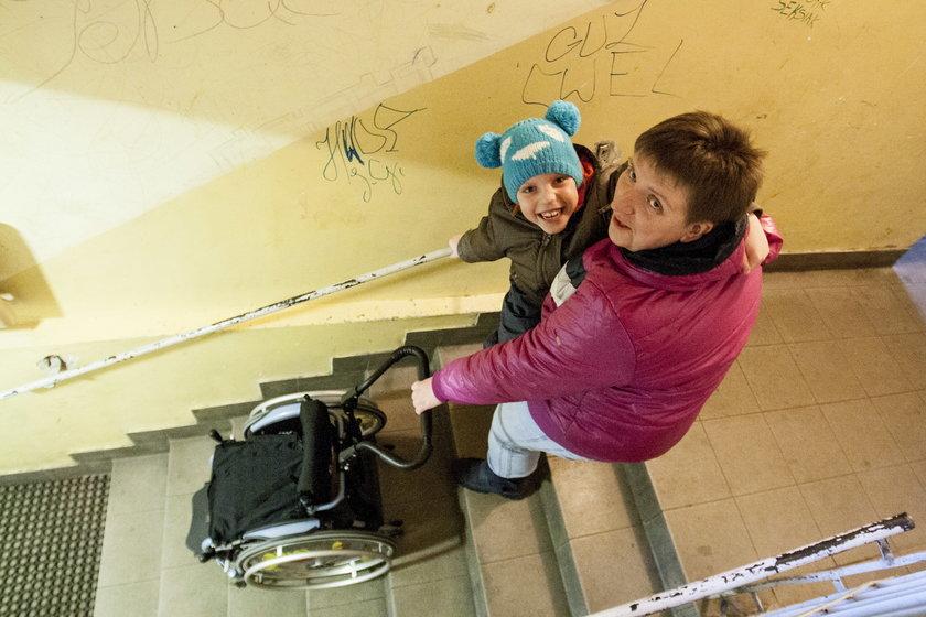 Marlena Piechnik walczy o podjazd dla wózków inwalidzkich