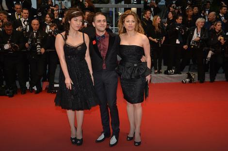 Gzavije Dolan sa glumicama Milen Žampanoa i Suzan Klement