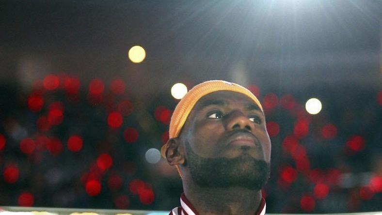 huge discount fcb9c 34f32 LeBron James podpisał dożywotni kontrakt z Nike - Forbes
