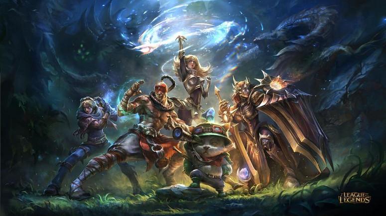 League of Legends, łącząc różne poziomy