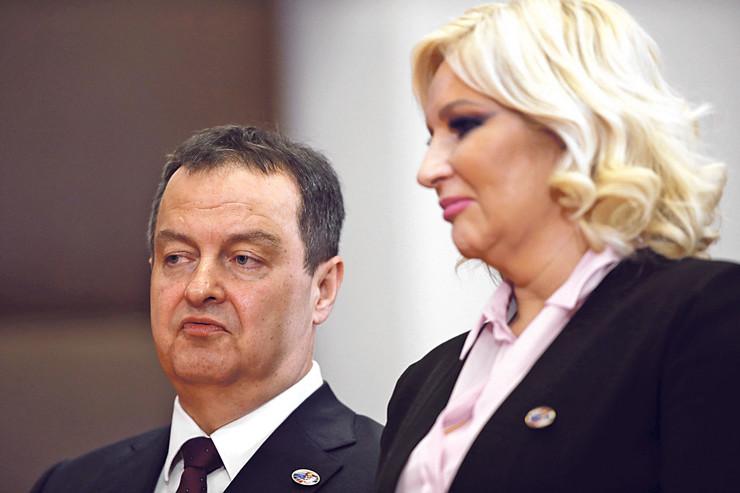 Dačić i Mihajlovićeva već danima razmenjuju teške reči svađajući se oko toga kome je i koliko u interesu da naprednjaci i socijalisti izađu u koaliciji na prolećne izbore