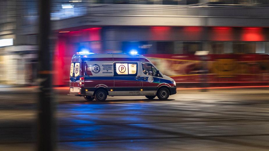 Kierowca karetki w Mławie miał 3 promile alkoholu. Grozi mu kara do dwóch lat więzienia
