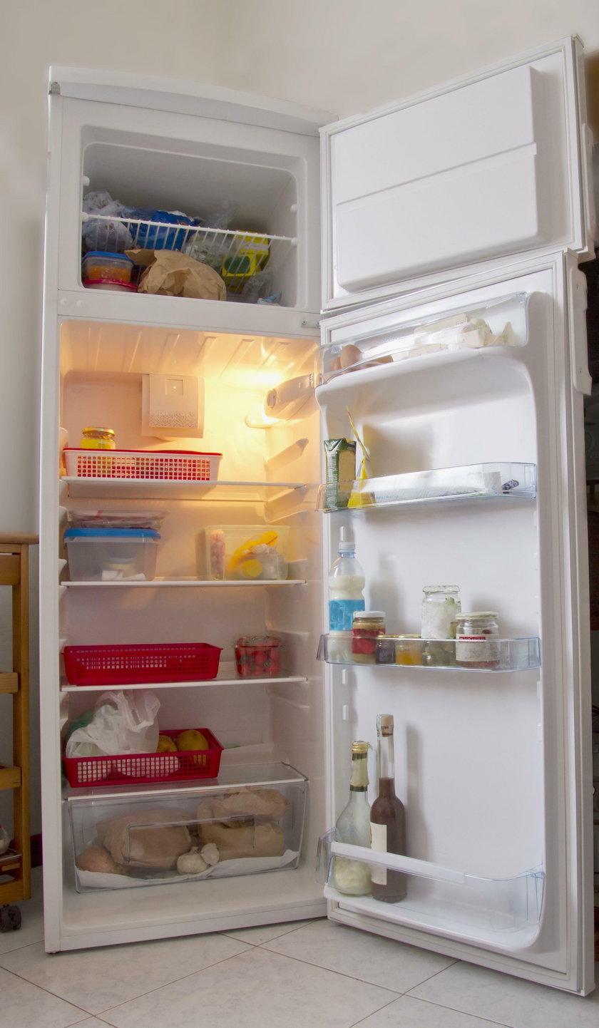 Zrób to z lodówką przed urlopem. Unikniesz zatrucia