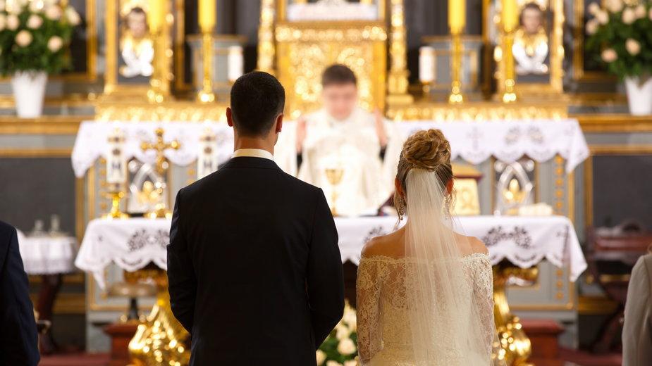 Coraz więcej ślubów kończy się rozwodem kościelnym (zdjęcie ilustracyjne)