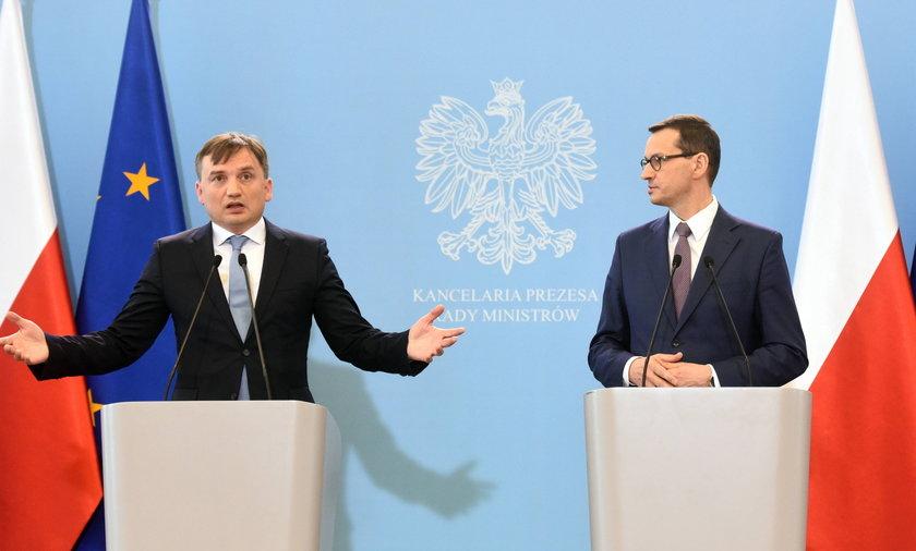 Minister sprawiedliwości Zbigniew Ziobro i premier Mateusz Morawiecki.