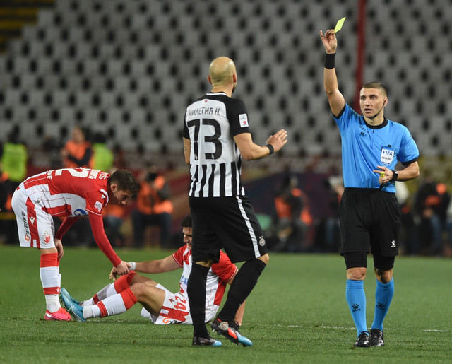 Miletić dobija žuti karton zbog oštrog prekršaja na 162. večitom derbiju