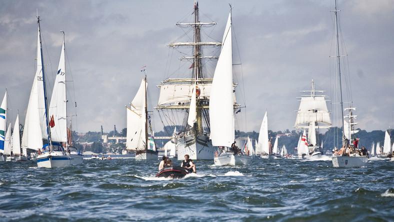 W gdyńskim porcie gościło 106 największych żaglowców świata. Na niedzielę zaplanowano paradę żaglowców na wodach Zatoki Gdanskiej