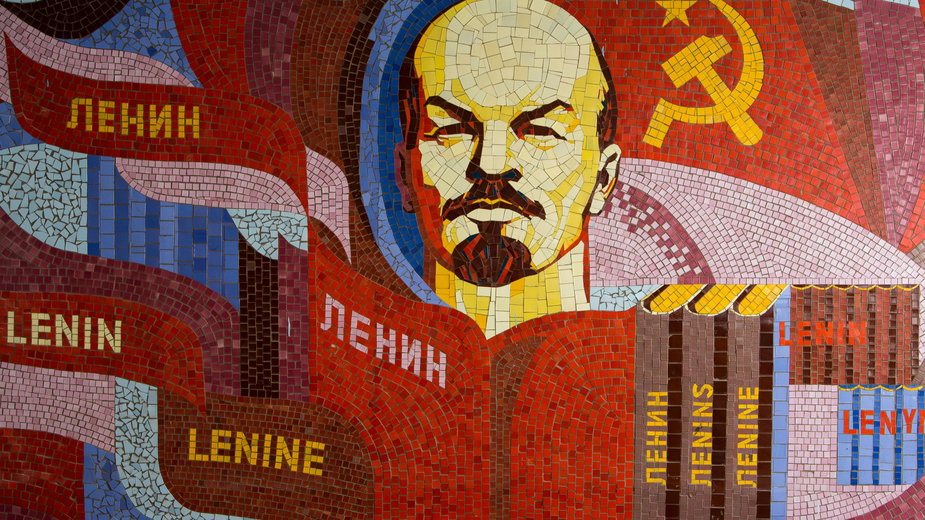 soviet-artefacts-gpjGmbPLUxk-unsplash