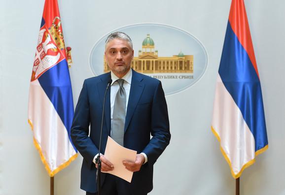 Da se reše problemi kao u Makedoniji i Crnoj Gori, predlaže LDP