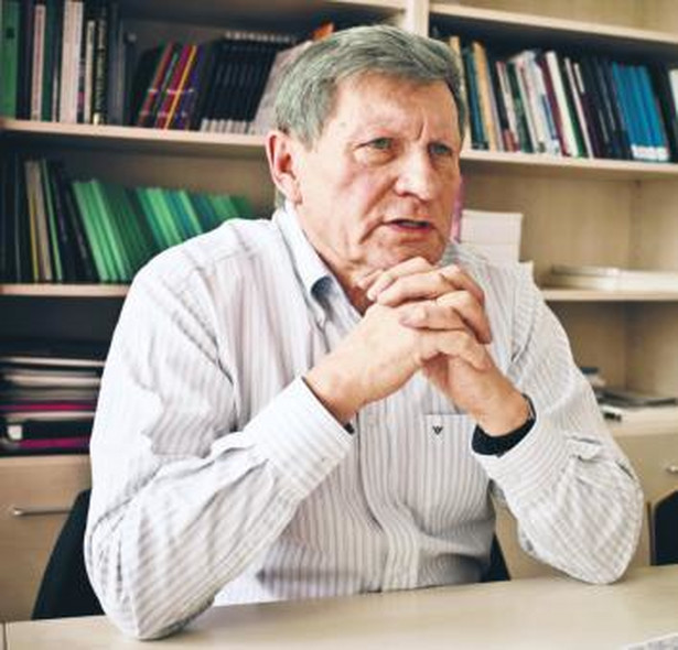 Leszek Balcerowicz, wicepremier i minister finansów w latach 1989–1991 oraz 1997–2000, prezes NBP w latach 2001–2007, przewodniczący rady fundacji Forum Obywatelskiego Rozwoju