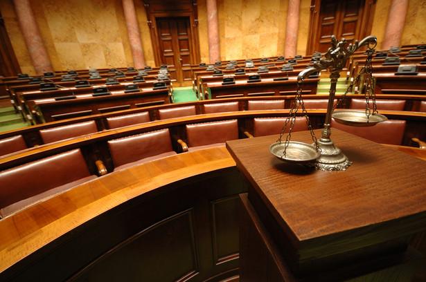 Według RPO autonomia sądów i trybunałów jest od kilku lat naruszana przez rząd