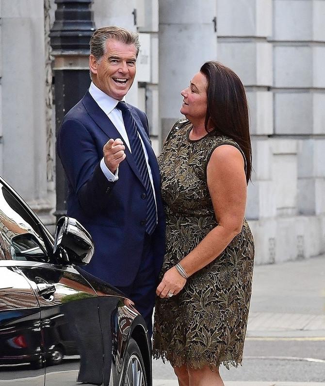 Pirs Brosnan sa suprugom Kili Šej Smit: da vidimo šta astrologija kaže za čuvenog Bonda rođenog u Bika