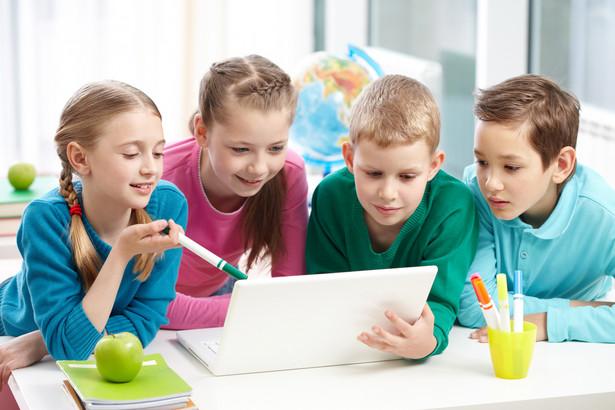 Szkoły mogły otrzymać po 200 tys. zł. Niewiele z nich skorzystało.