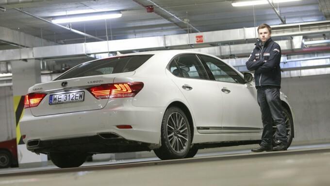 Test Lexusa LS 600h F Sport: hybryda na  sportowo