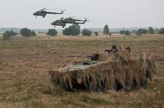 Dragon-17: Desant spadochroniarzy na lotnisku w Szymanach