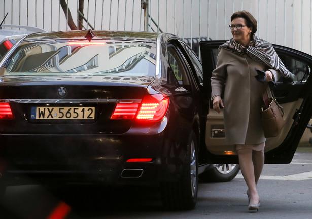 Premier Ewa Kopacz w drodze na posiedzenie zarządu krajowego Platformy Obywatelskiej