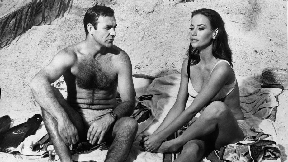 "Sean Connery i Claudine Auger w ""Operacji Piorun"" w 1965 r."