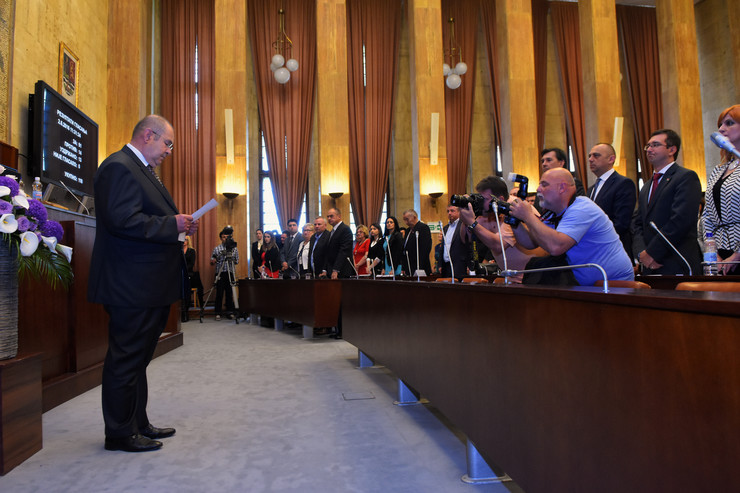 Novi Sad001 Konstitutivna sednica skupstine vojvodine Istvan Pastor polaze zakletvu foto Nenad MIhajlovic