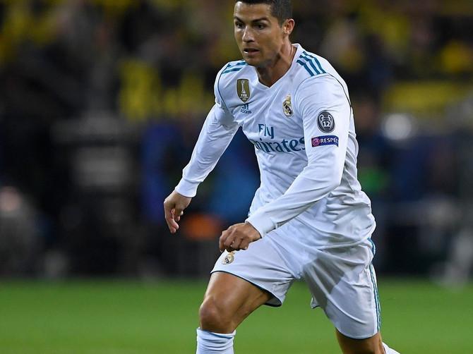 Zavideo je deci koja su imala televizor, fudbal mu je bio beg od nemaštine, a postao je NAJBOLJI FUDBALER SVETA! Samo uz BLIC ŽENU čitajte njegovu životnu priču