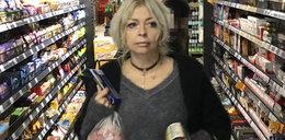 Violetta Arlak buszuje po stoisku ze słodyczami. Co z jej dietą?