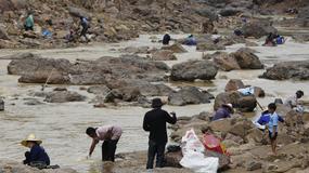 Powodzie w Tajlandii. Woda wypłukała złoto