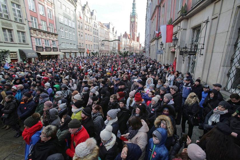 """Pogrzeb Pawła Adamowicza. Nie zabrakło mocnych słów. """"Trzeba skończyć z nienawiścią!"""""""