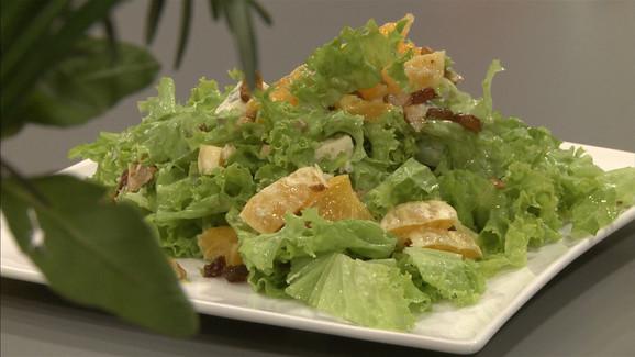 Salata s orasima