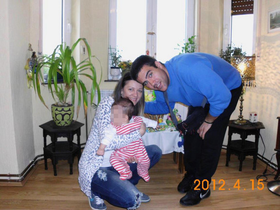 Mikica sa porodicom