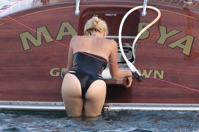 Hofit Golan verovatno će na plaži sresti mnoge žene u ovakvom kupaćem kostimu