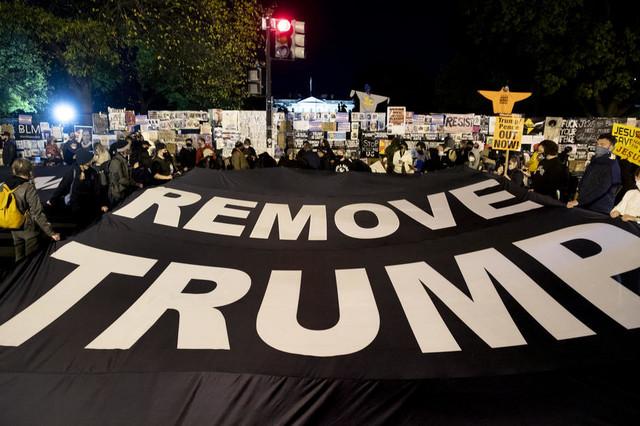 Protest ispred Bele kuće