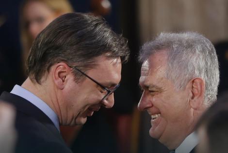 Srdačan susret pre preokreta: Vučić i Nikolić juče na prijemu na Andrićevom vencu
