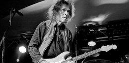 Nie żyje wybitny gitarzysta. Od miesiąca miał zapalenie płuc