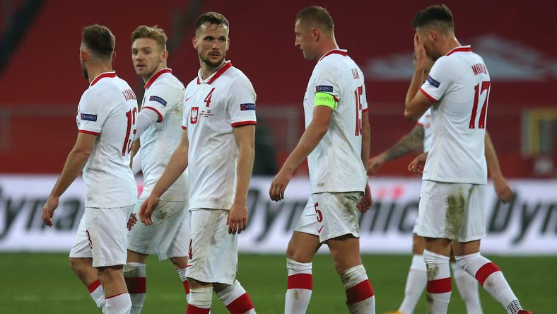 Polacy po skończonym meczu grupy A1 piłkarskiej Ligi Narodów z Holandią w Chorzowie