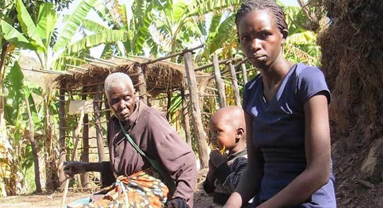 Ruth Rono with her family in Baringo County (Twitter)