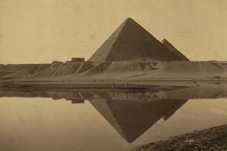 508240_piramida