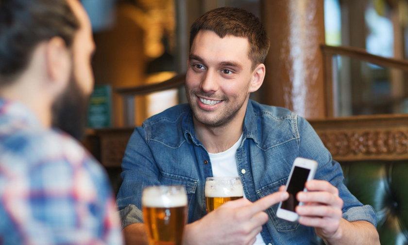 smartfon, alkohol,