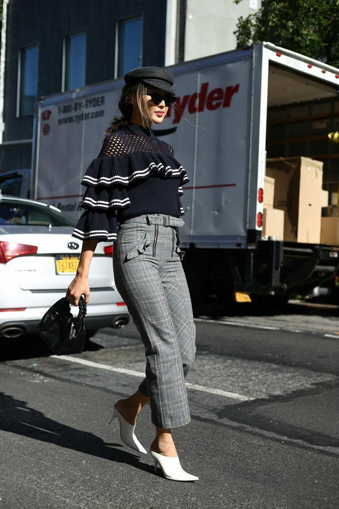 Karirane pantalone mogu da se iskombinuju na 100 načina