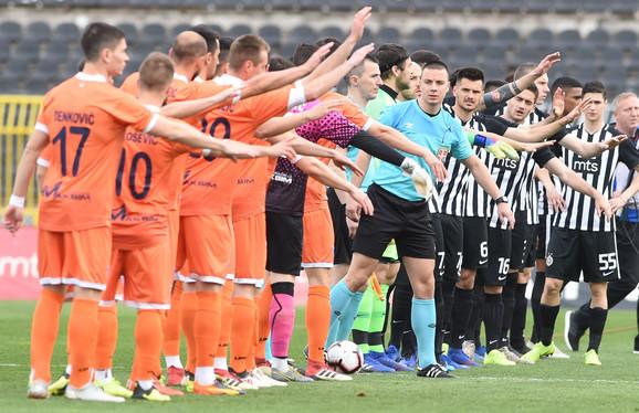 Pozdrav igrača Spartaka i Partizana