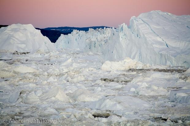 """""""Stary"""", młodzi i morze. Od Antarktydy do Alaski. Wyprawa wokół obu Ameryk"""