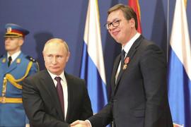 Dok se Putin rukovao sa Vučićem malo ko je primetio LUKSUZAN SAT na njegovoj ruci: Ima kolekciju vrednu 550.000 evra, a za Beograd je odabrao OVAJ
