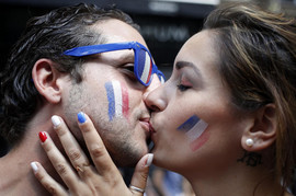 Slika francuskih navijača obilazi svet SA PUNIM RAZLOGOM