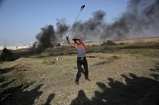 Protesty w Strefie Gazy: Dziesiątki Palestyńczyków ranionych przez wojska izraelskie