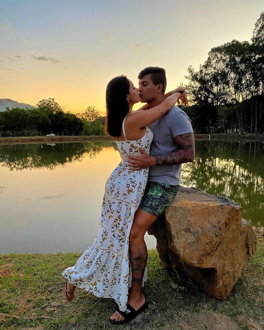 Julia Hennessy Cayuela ze swoim mężem