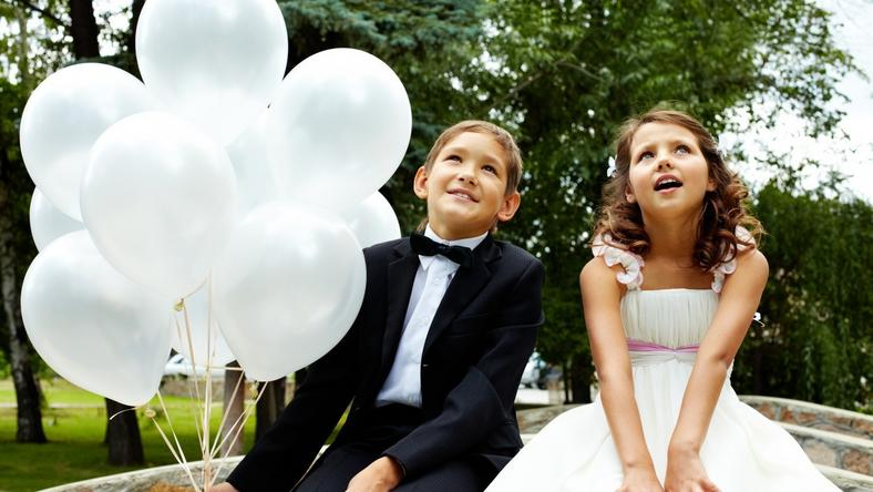 Adorable kids at weddings [VIDEO]