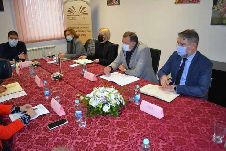 Milorad Dodik i predstavnici Udruzenja dece